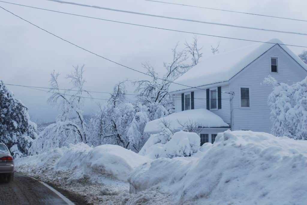 how to prepare for a snow storm