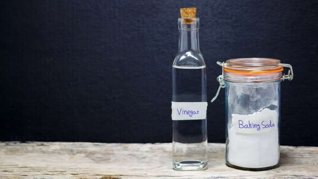 how to unclog a garbage disposal with baking soda and vinegar